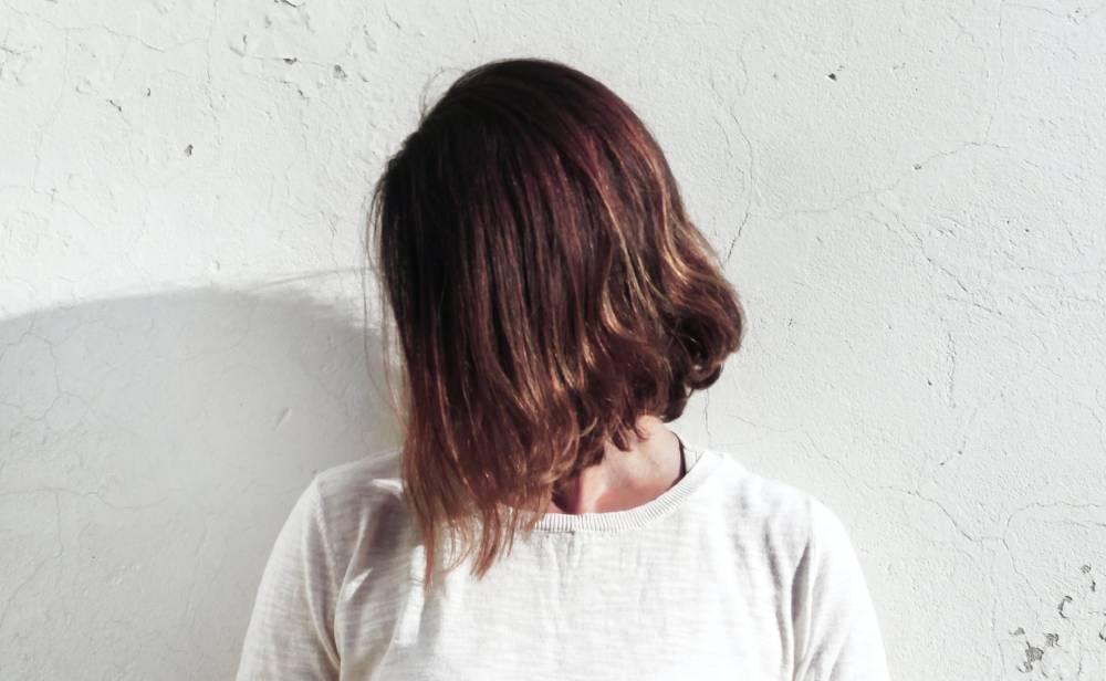 účesy a střihy pro husté vlasy